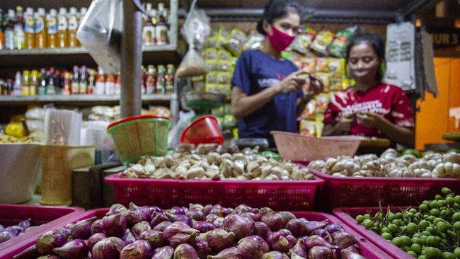 Sebagian besar harga bahan pokok kompak turun pada pekan pertama Ramadan.