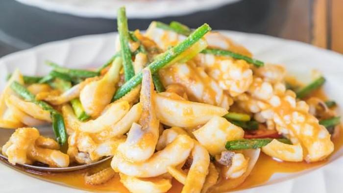 Resep Udang Saus Padang Enak ala Restoran Seafood
