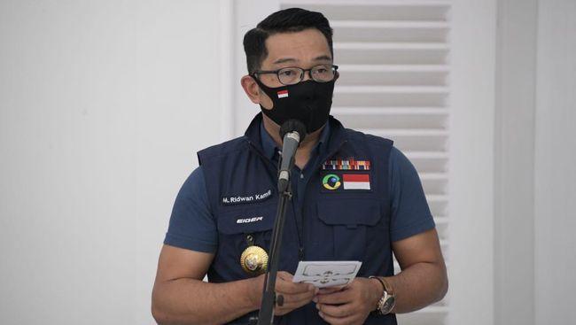 Gubernur Jawa Barat Ridwan Kamil memberi saran relawan vaksin Covid-19 untuk menahan diri tidak keluyuran ke tempat yang memicu mengganggu proses statistik.