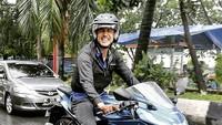<p>Salah satu hobi Hamish yang cukup terkenal adalah bermotor. Ia memiliki beberapa koleksi motor di rumahnya. (Foto: Instagram @hamishdw)</p>