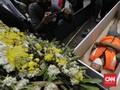 FOTO: Hukuman Masuk Peti Mati Bagi Pelanggar PSBB Jakarta
