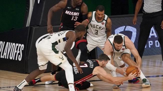 Foto Miami Heat Kembali Bungkam Milwaukee Bucks Foto 2