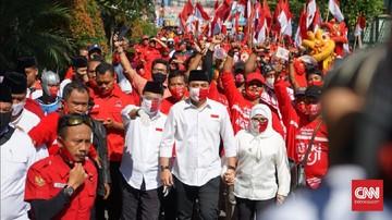 Kubu paslon Pilkada Surabaya Machfud Arifin-Mujiaman membantah melakukan politik pecah belah hingga membuat kader PDIP membelot.