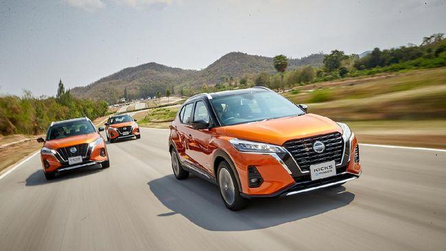 Meski diklaim menawarkan sensasi berkendara mobil listrik, Nissan Kicks e-Power adalah mobil hybrid yang tetap butuh mengisi bensin.