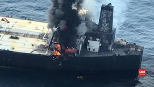 VIDEO: Kapal Tanker Terbakar di Sri Lanka, Satu Orang Hilang
