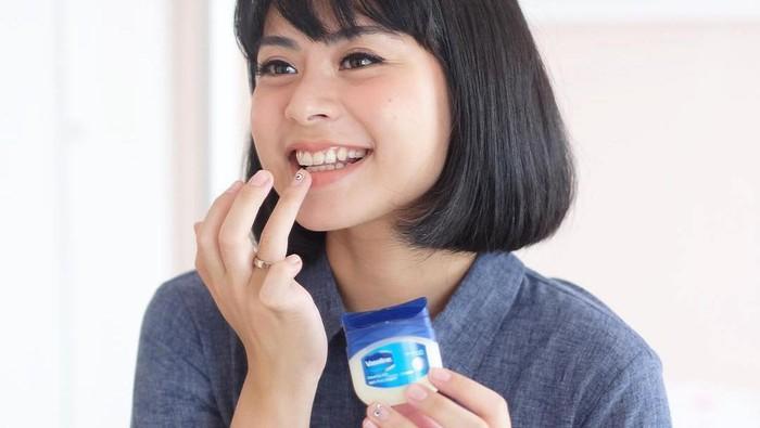 Manfaat dari Vaseline Petroleum Jelly, Bisa Menyamarkan Strech Marks
