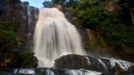 6 Ragam Air Terjun di 'Kabupaten Seribu Curug' Cianjur