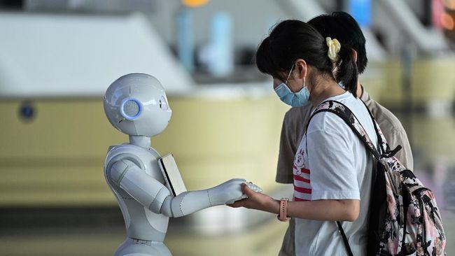 Institut Teknologi Sepuluh Nopember (ITS) Surabaya berhasil menjadi juara umum tingkat nasional pada Kontes Robot Indonesia (KRI) 2020.