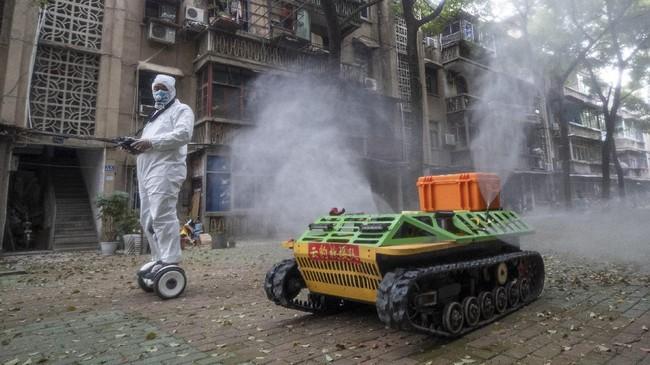 Internet dan teknologi robot disebut akan menjadi infrastruktur yang paling dibutuhkan di era normal baru demi memutus pandemi virus corona.