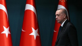 Komedian Turki Lolos Hukuman Usai Disebut Hina Erdogan
