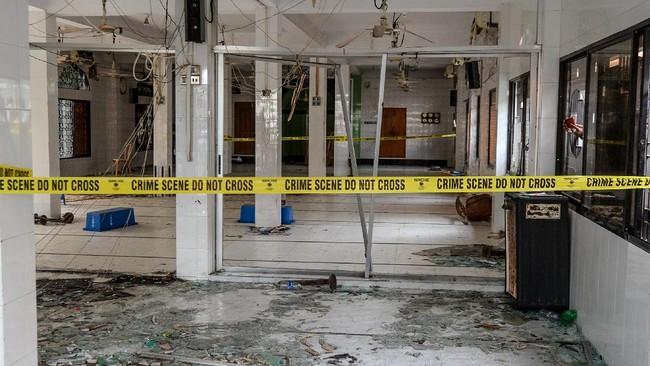 Ledakan diduga akibat kebocoran gas terjadi di sebuah masjid di distrik Narayanganj, Bangladesh, menewaskan 24 orang.
