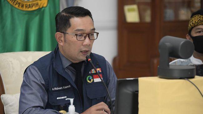 Kota Cirebon dan Kabupaten Bekasi masih berstatus zona merah penularan Covid-19.