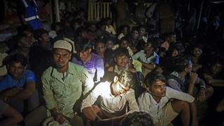FOTO: Ratusan Imigran Rohingya Terdampar di Lhokseumawe