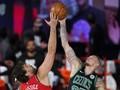 FOTO: Boston Celtics Bungkam Raptors di Gim Kelima