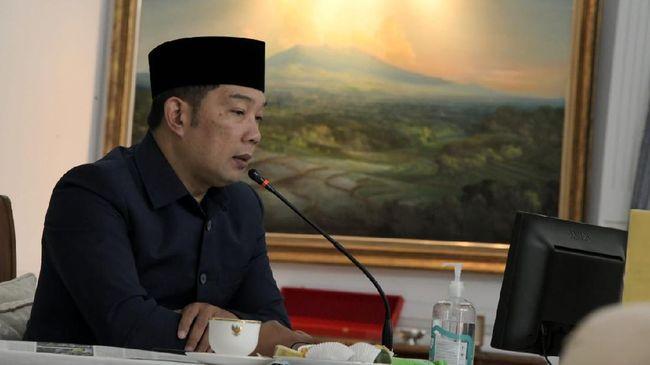 Gubernur Jabar Ridwan Kamil mempersilakan pihak yang menolak Omnibus Law Cipta Kerja menyampaikan argumennya ke MK dengan menempuh jalur uji materi.