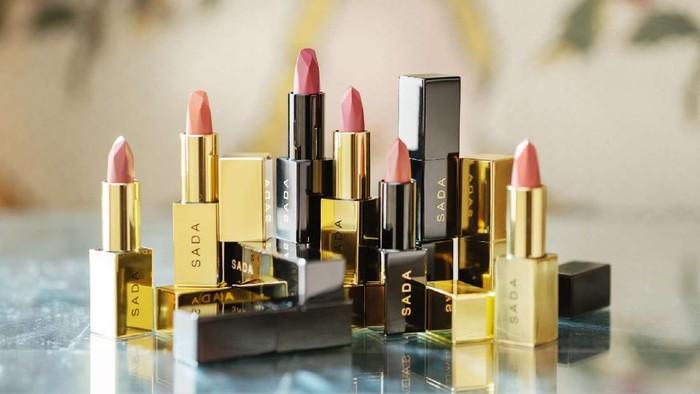 Anniversary Pertama, Sada by Cathy Sharon Rilis Classic Lipstick