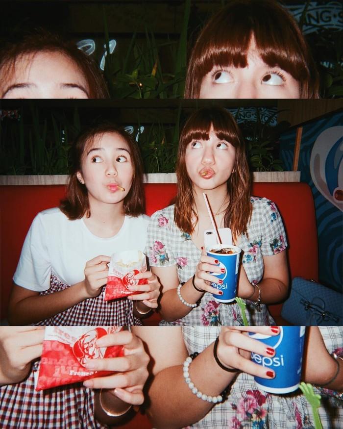 Selalu berbagi keceriaan saat bersama, semoga persahabatan mereka terus langgeng dan kompak ya! (Foto: Instagram.com/cassandralee)