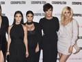Keluarga Kardashian Mewek Perpisahan dengan Kru KUWTK