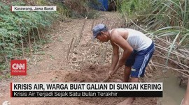 VIDEO: Krisis Air, Warga Buat Galian di Sungai Kering