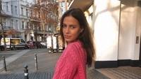 <p>Dari beberapa unggahannya, Nicole Poturalski lebih suka berpakaian casual, dengan kaos atau sweater dan celana jeans. (Foto: Instagram @nico.potur)</p>