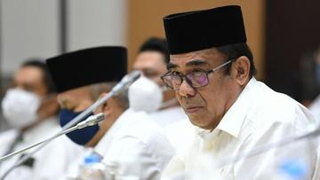 Menteri Agama Fachrul Razi terkonfirmasi positif Covid-19. Meski demikian, saat ini kondisi fisiknya dalam keadaan baik.