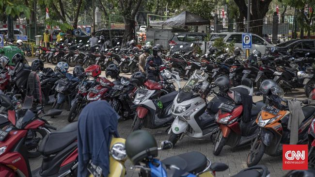 Kementerian Perindustrian mengajukan lagi usulan insentif pajak pembeli kendaraan bermotor kepada Kementerian Keuangan.