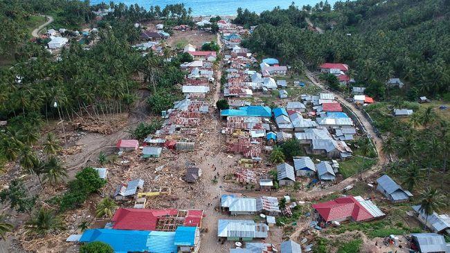 Danone Indonesia menghentikan sementara kegiatan produksi di pabrik Aqua PT Aqua Golden Mississippi yang terdampak banjir bandang di Sukabumi.