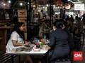 Studi: Banyak Pasien Covid-19 Makan di Restoran Sebelum Sakit