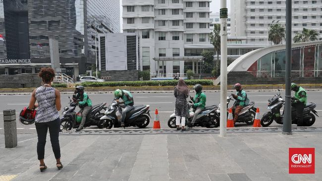 Gabungan Aksi Roda Dua (Garda) Indonesia mengatakan driver-driver ojol mayoritas memilih bersama keluarga saat Idulfitri karena tak ada bonus.