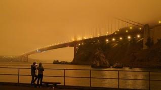 FOTO: Langit 'Mars' akibat Kebakaran Hutan California