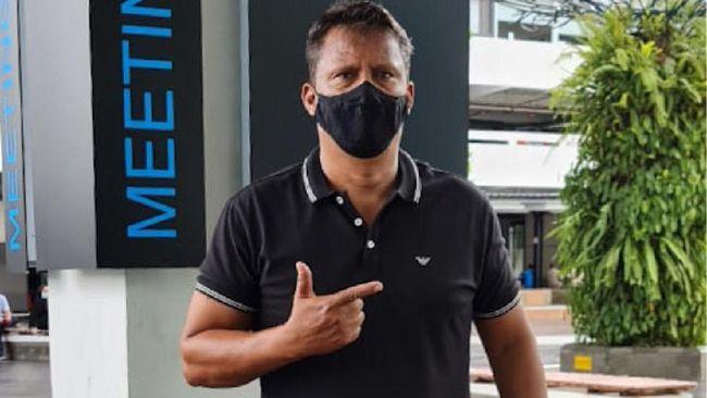 Sergio Farias sepakat putus kontrak dengan Persija Jakarta karena harus pulang ke Brasil mendampingi putra yang positif virus corona.