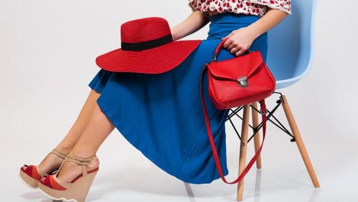 Tampil Stylist dan Cantik dengan Must Have Item Outfit Untuk Para Wanita