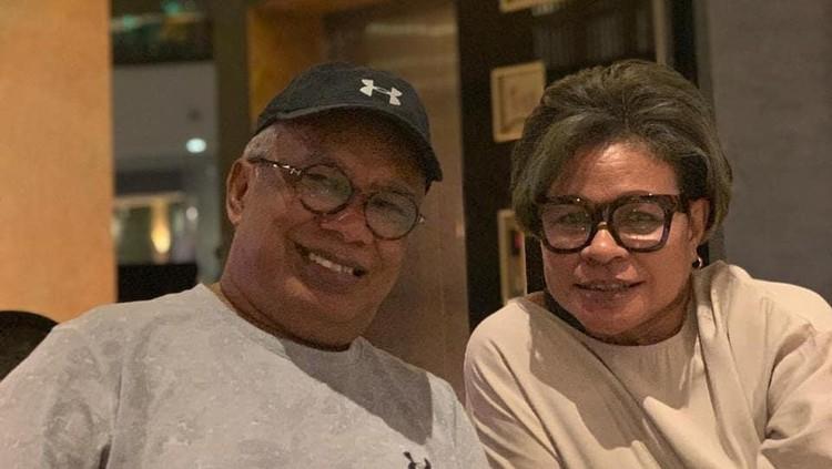 Yopie Latul dan istrinya
