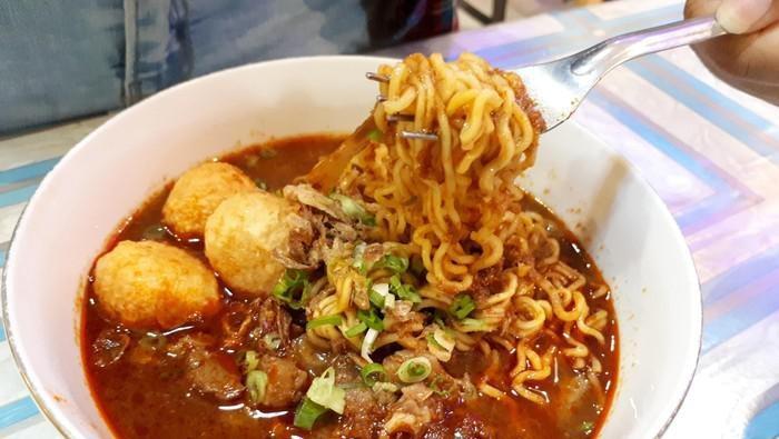 Catat Nih, Rekomendasi Tempat Makan Seblak di Bandung!
