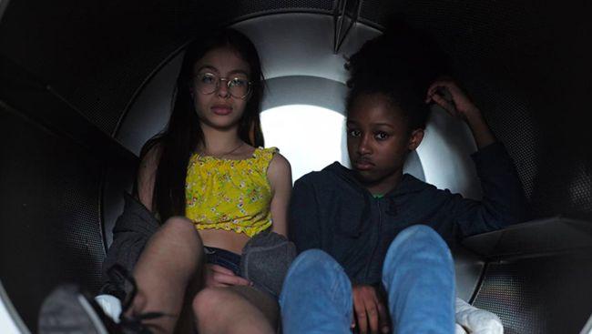 Menurut sutradara sekaligus penulis naskah film Cuties, film ini adalah komentar dari keadaan sosial saat ini demi perubahan yang lebih baik.