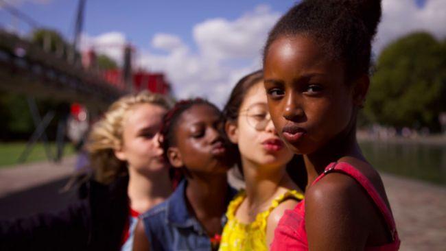 Senator dari Partai Republik, Ted Cruz, meminta pemerintah AS untuk menyelidiki film Cuties yang memicu kontroversi karena diduga mengeksploitasi seksual anak.