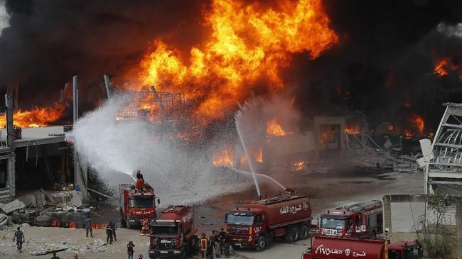 Pusat kebakaran di lokasi ledakan Beirut, LIbanon pada Kamis (10/9) dikethaui berasal dari gudang penyimpanan bantuan makanan dan kebutuhan pokok.
