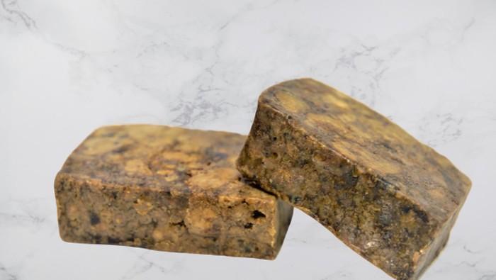 8 Manfaat 'African Black Soap' Sabun Kuno dari Afrika untuk Kecantikan