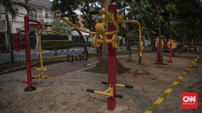 Sebanyak empat taman kota di Jakarta Pusat kembali dibuka untuk memfasilitasi warga berwisata di tengah PPKM.