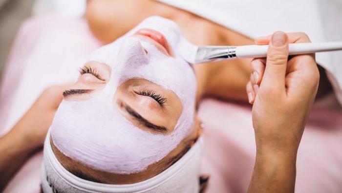 Perbedaan Wash Off Mask, Sheet Mask dan Clay Mask yang Wajib Kamu Tahu!