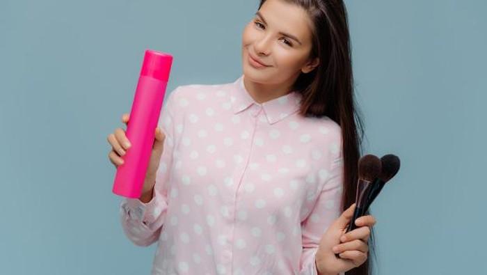 5 Tips Bikin Rambut Jadi Lebih Tebal