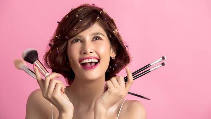 6 Fakta Menarik Seputar Makeup, Bisa Bikin Kaget!