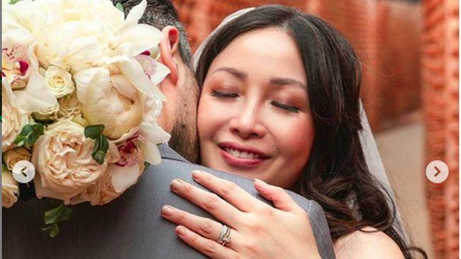 Suami Bule Ganteng Chef Marinka VS Sandra Dianne Tewas dalam Kecelakaan - InsertLive