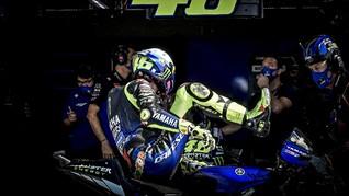 Riuh Netizen soal Rossi Balapan 15 Tahun dengan Tim Pabrikan