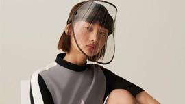 LV Buat Face Shield Mewah Seharga Hampir Rp15 Juta