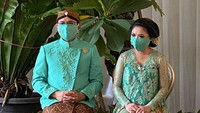 <p>Belum lama ini putra dari Tutut Soeharto, Dhany Rukmana dan istrinya, Raiyah Caesaria menggelar mitoni.</p>