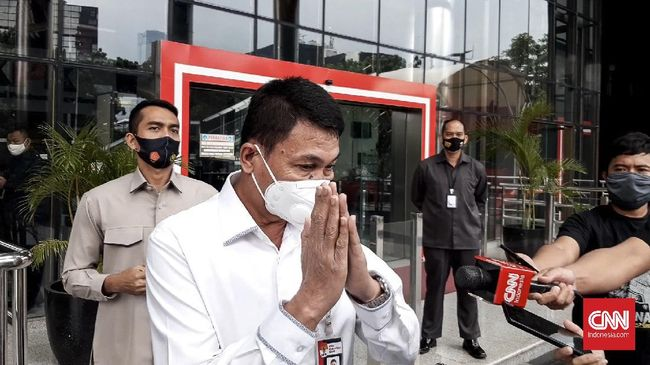 Wakil Ketua KPK Nawawi Pomolango meminta maaf untuk merespons bantahan Singapura atas tuduhan surga koruptor.