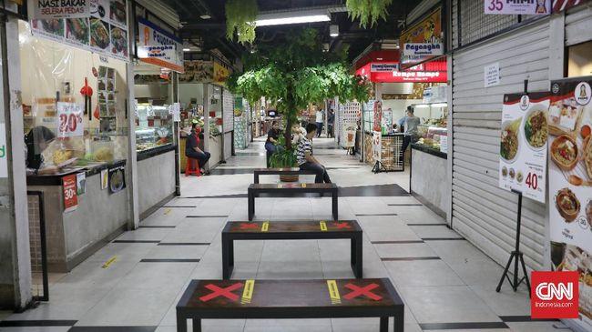Kapasitas makan di restoran bertambah dari 25 persen menjadi 50 persen selama PPKM Mikro di DKI Jakarta, 9-22 Februari 2021.