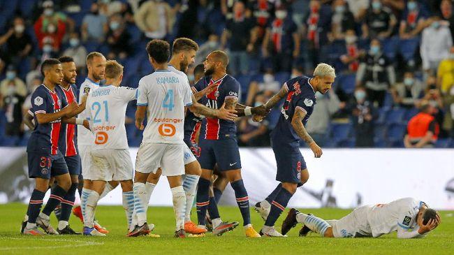 Paris Saint Germain kalah tipis 0-1 dari Marseille dalam laga yang diwarnai perkelahian pemain dan lima kartu merah.