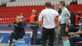 Lima kartu merah dikeluarkan wasit, termasuk untuk Neymar, saat PSG kalah 0-1 dari Marseille di Parc des Princes, Senin (14/9) dini hari WIB.